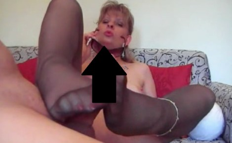 Pantyhose Angel Lovette video: Footjob in Philippe Matignon Tights