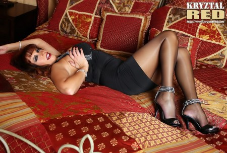 Kryztal Red pictures: Big Titted MILF Kryztal Looks Hot In Pantyhose