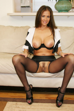 Milf in crotchless tights