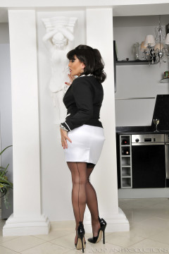 amanda-nylons-black seamed-102001