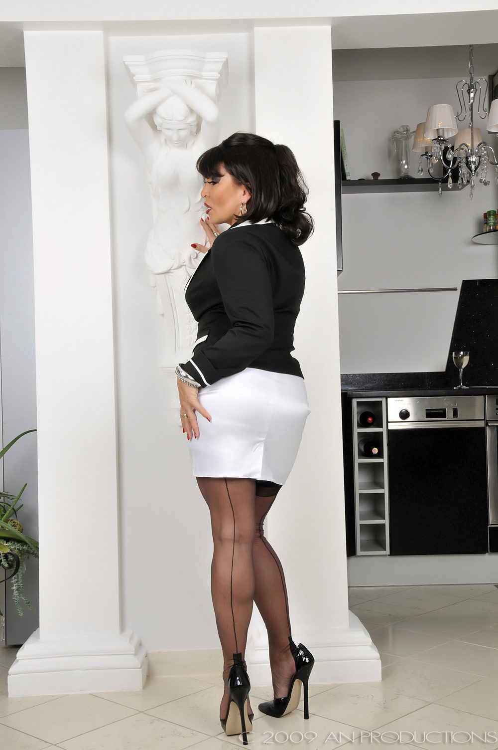 German Nylon Lady Amanda Teasing In Black Seamed Stockings Sey