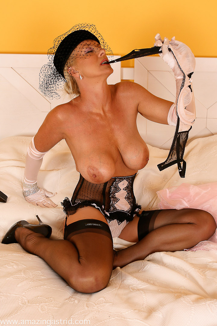 With mature bra pantyhose think