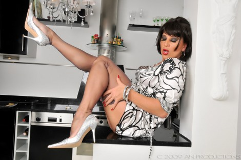 amanda-nylons-kitchen-05_rsz