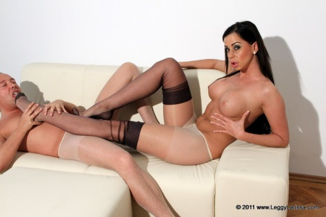 pantyhose-footjob