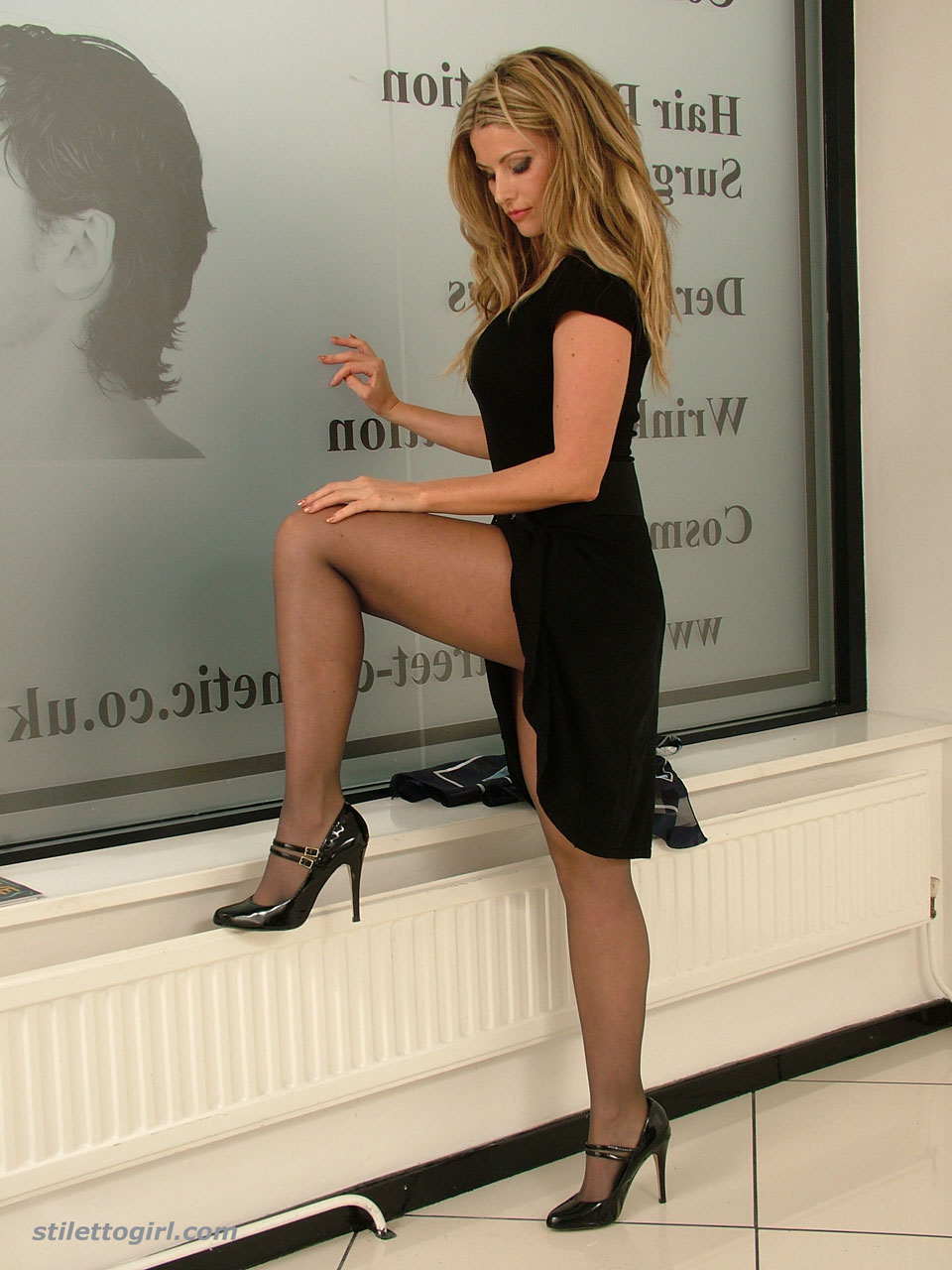 Leggy blonde Stiletto Girl Kathryn