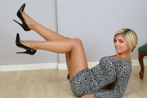 Naomi stiletto heels and pantyhose clad legs