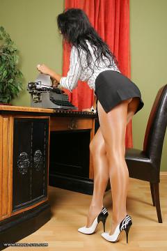 nylon fetish lady Model Eve secretary in sheer shiny pantyhose