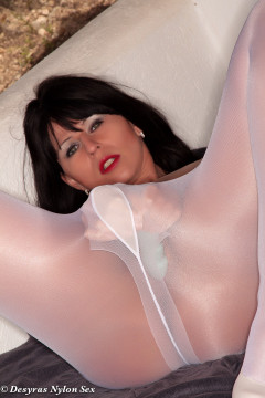 desyras-nylon-sex-white-pantyhose-15