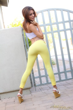 sexy-in-yellow-pants-ashley-doll