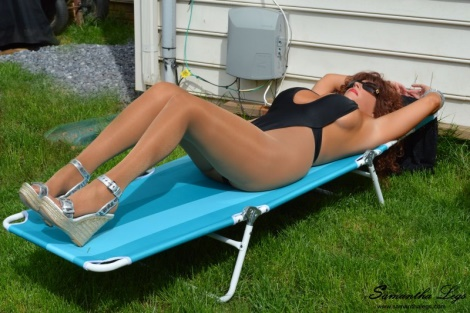 Sunbath in pantyhose - Samantha Legs video Big tits wife in shiny pantyhose