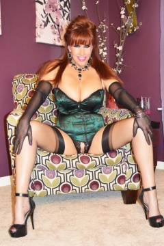 Famous nylon fetish redhead Krzytal Red new pics from Samantha legs website - Sam in black nylons and heels