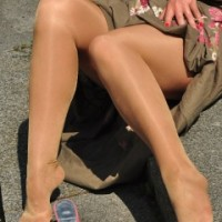 Sexy shiny tights in sun – Pantyhose Angel Lovette
