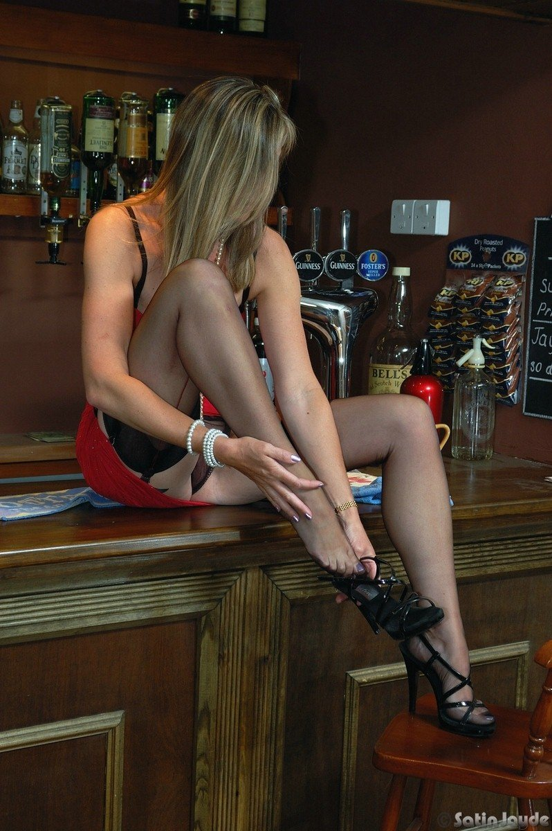 Variant possible bars in pantyhose have
