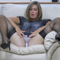 Amateur nylon footfetish video Satin Jayde rubs her pussy