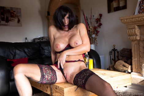 jans-nylon-sex-black-stockings-15_rsz