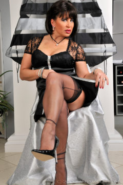 German milf Amanda in black stockings and sexy dress Amanda Nylons gallery
