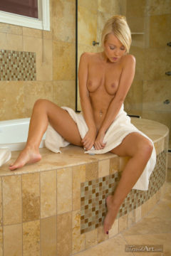 Hot blonde naked in a bath Jana Cova erotic art pics