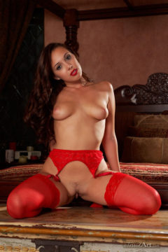 Jenna Sativa sexy naked in lingerie and red stockings