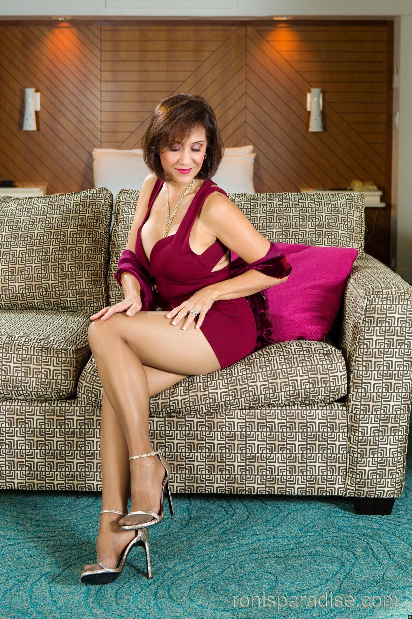 Rani mukherjee in undress