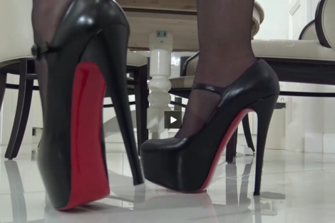 Fetish Liza video mistress legs in stockings, sexy walking in high heels