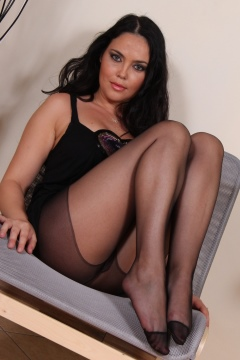 Mutter in nylons