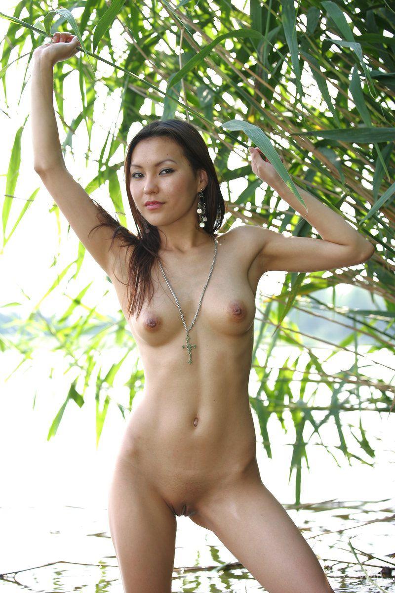 agnes naked Asian