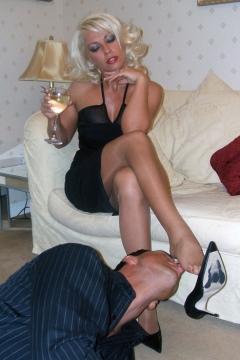 Pantyhose pussy and ass facesitting Leggy Lana Cox big tits milf mistress