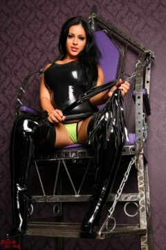 Jasmine Jones in latex and boots on a throne, submisive slave tease Worship Jasmine