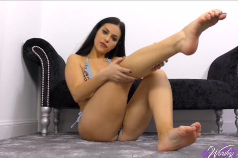 Jasmine Jones video Foot Control foot fetish tease Worship Jasmine (aka Keira Jones)