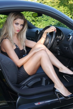 Stiletto girl Kathryn Hot blonde shows her hot legs in shiny stiletto high heels shoes