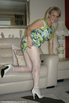 Michelles Nylons pics Hot wife in white shiny pantyhose and heels