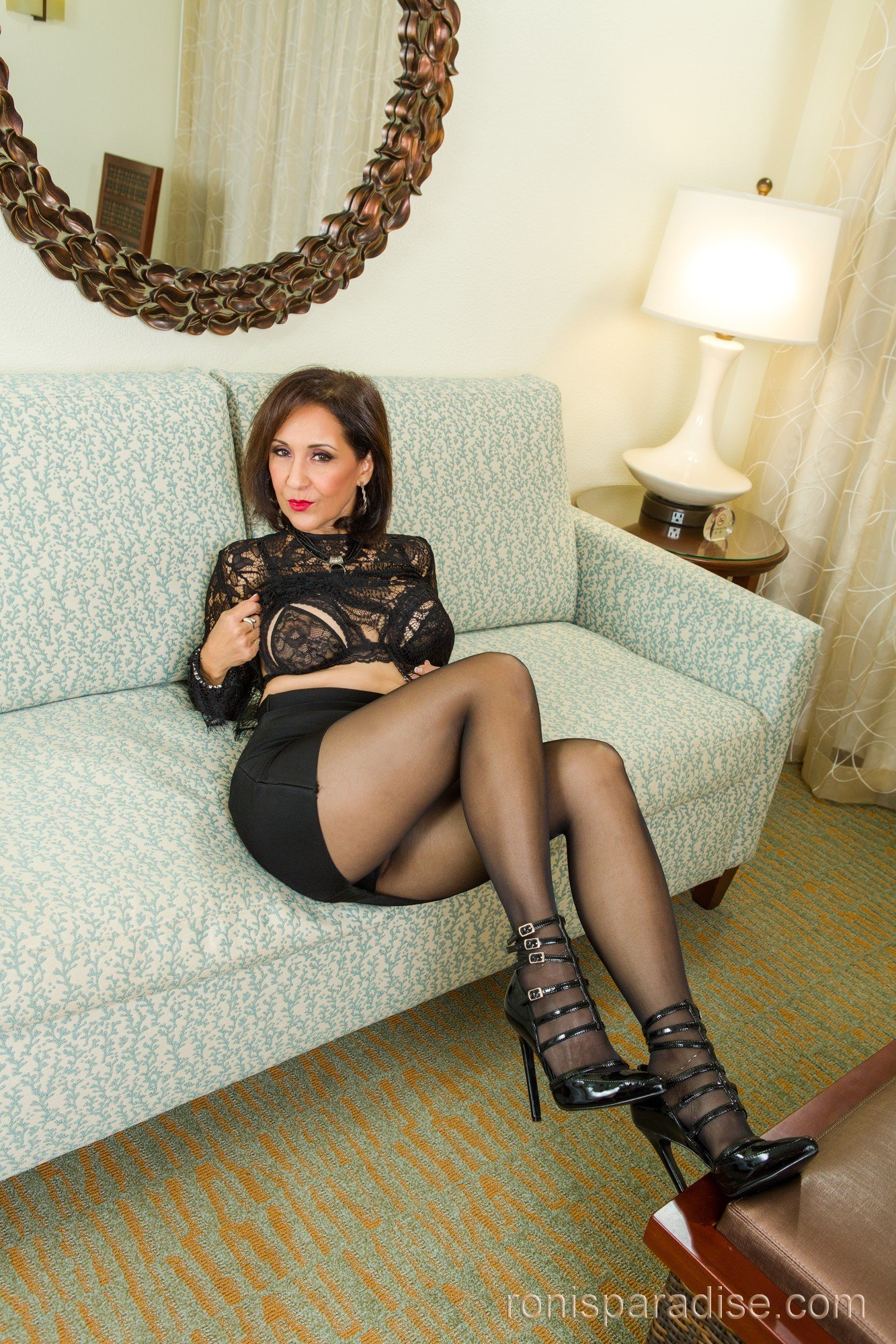 Mature Pantyhose 03