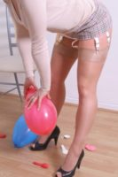 Ballon fetish pics Amateur fun with ballons – Sabrinas Stockings