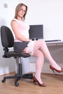Sabrinas Stockings hot amateur shows white stockings tops
