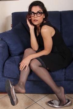 Nylon secretary dangling heels Chiara - Piedi Velati