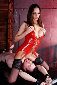 Goddess Tiffany Tyler facesitting, chastity and pussy worship