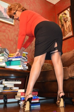 Samantha Legs free pictures gallery with video busty librarian shows her nylon clad legs