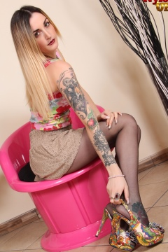Tattoo girl in black pantyhose sexy legs and feet Petra NylonUP